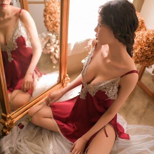 瑰若 高端蕾丝V领吊带镂空魅惑睡裙