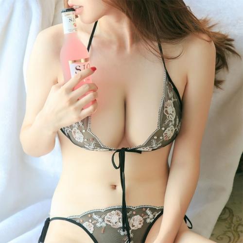 欧姿丽雅黑色刺绣蕾丝文胸套装